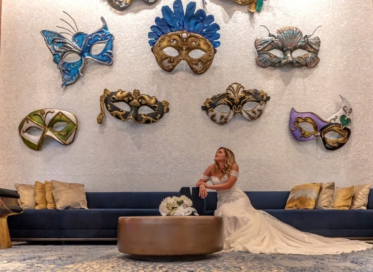 bride on mask wall large 51 1150549 159292015095092