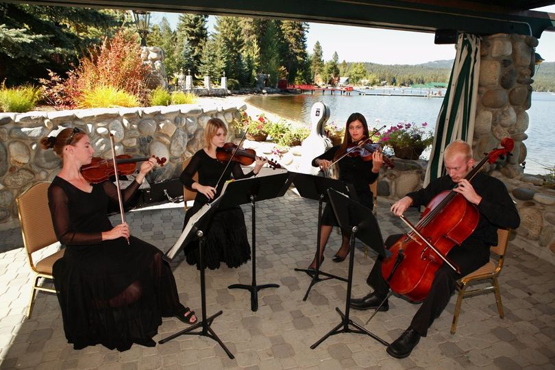 Shore Lodge on the beautiful Payette Lake in McCall - pure magic!