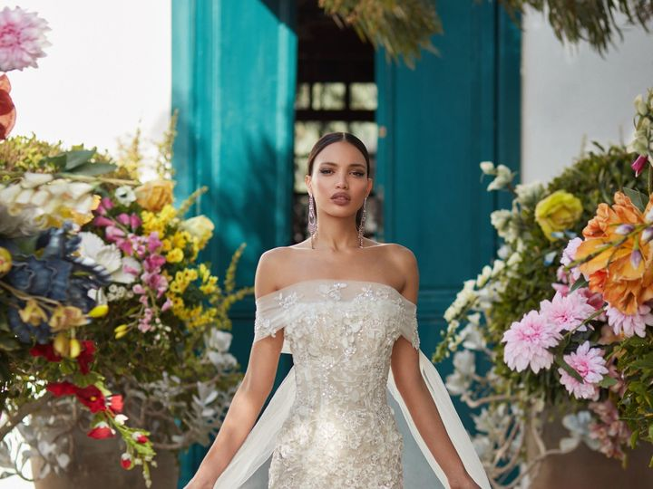 Tmx 1515791369 9fd4ec5178c873dd 1515791363 8b1bb26298a92716 1515791433601 9 Galia Lahav Junipe New York, NY wedding dress