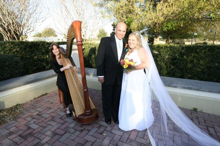Harpist and the bride & groom