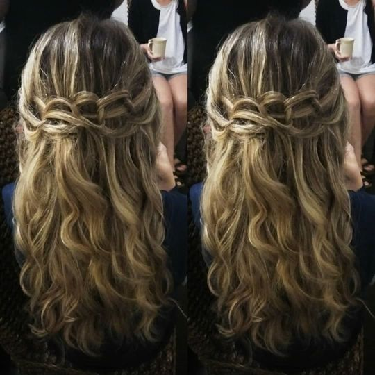 Linked Braid with Beach Waves
