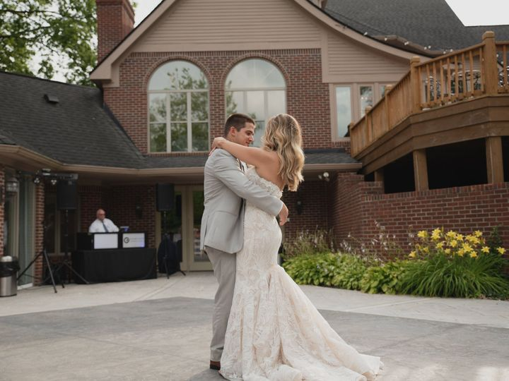 Tmx 2020 0718 Williamsburris Wedding Completeburris R 024 51 913649 161910644020557 Fishers, IN wedding venue
