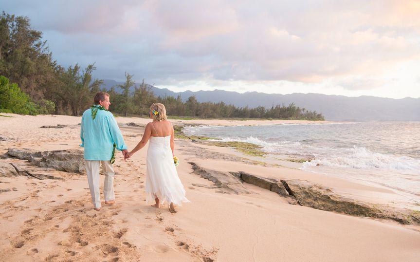 photosbyalexs 4440ps hawaii wedding destination photographer beach wedding original 51 754649 158521013039145