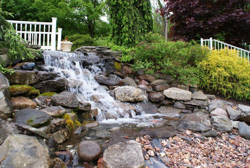 The Grand Oak Villa's pond