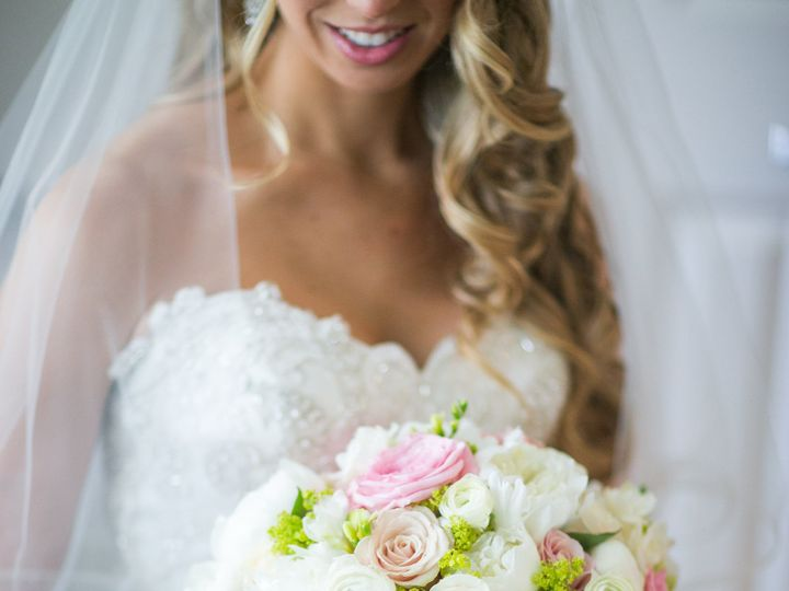 Tmx 1520028133 95820bd2a4b3bb8f 1520028131 Eafa5ee962a6caad 1520028119024 4 LauraKeenan 0143 Fairfield, New York wedding florist