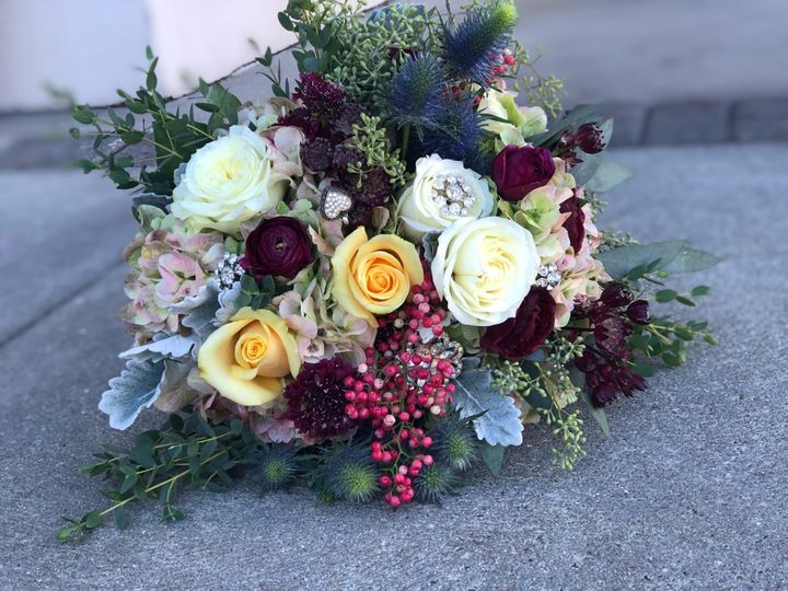 Tmx Img 3861 51 26649 158533908871155 Fairfield, New York wedding florist