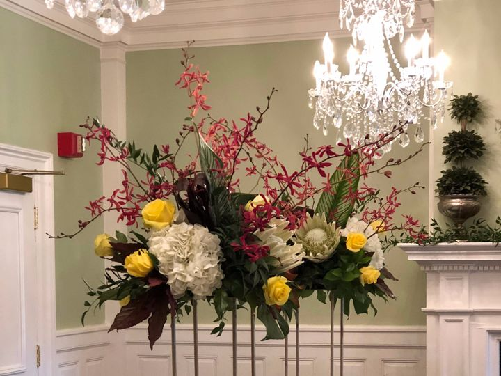 Tmx Img 8284 51 26649 158533896249000 Fairfield, New York wedding florist