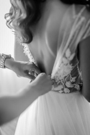Planner helping bride