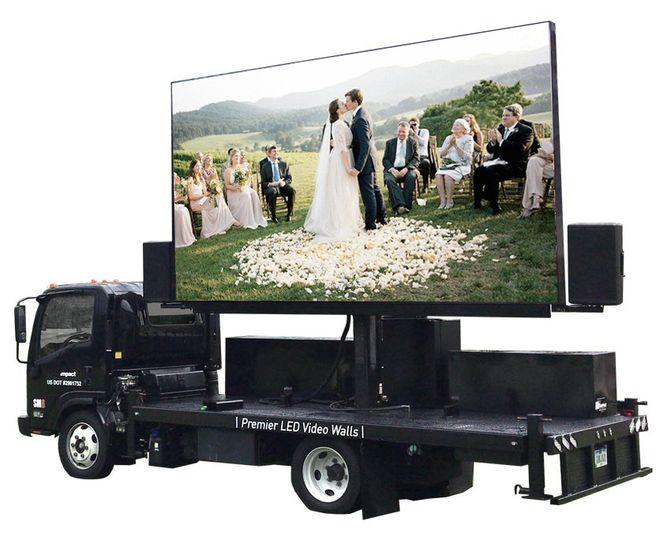 wedding tuck 8 51 1990749 160139367773892