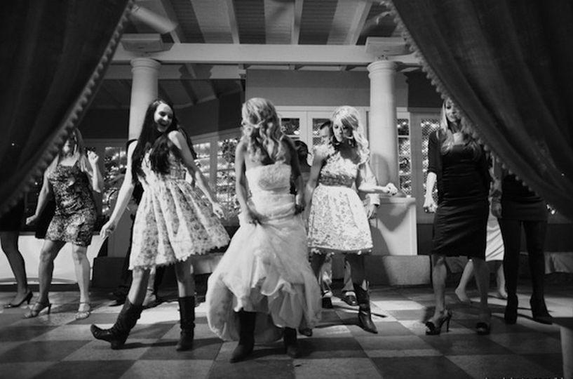 bride line dancing 22