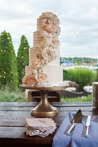 Detailed floral wedding cake