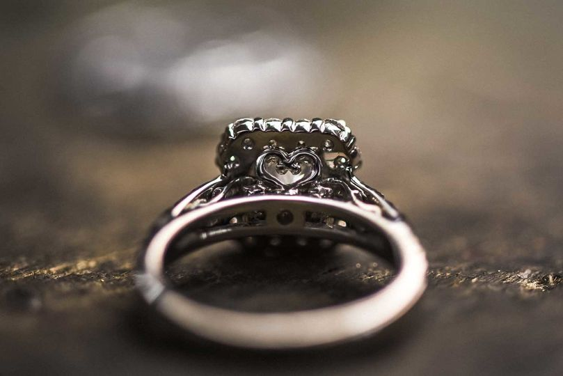 Engagement ring with a heart detail