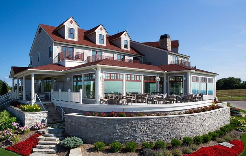 Exterior view of Arcadia Bluffs Golf Club
