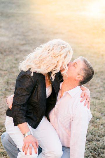 fun photo session kissing