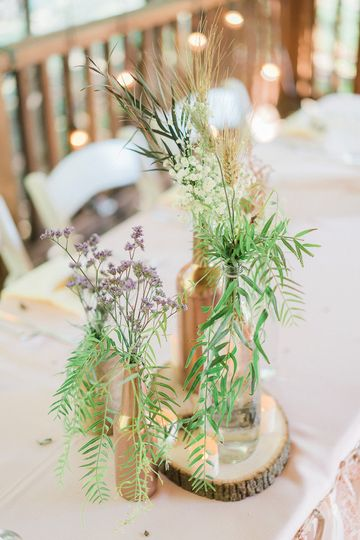 rustic wedding florals photography