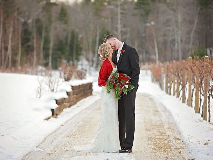 Tmx 1524850292 Bf3a002c02a0c296 1524850291 Fca953261e09abfc 1524850290031 2 Winter 2 Sandown, NH wedding venue