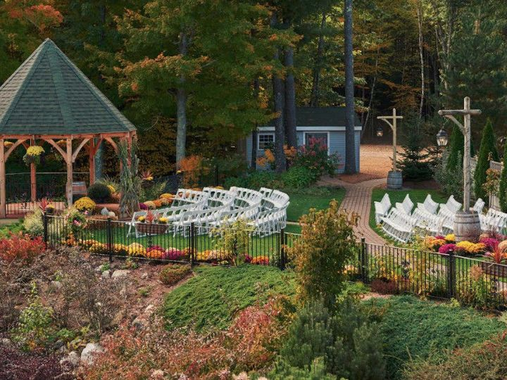 Tmx 1525962042 E85f3143bee45fab 1525962041 C9bf9f935a4213ad 1525962039572 4 Fall Sandown, NH wedding venue