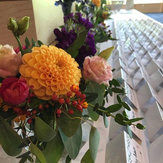 Card table bud vase