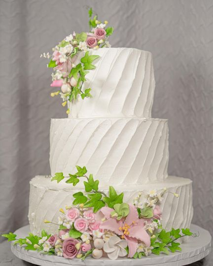 Calandra's Bakery Wedding Cake