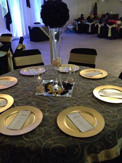 Classic gold & black table setting