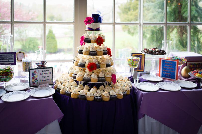 wedding cake cupcakes 1