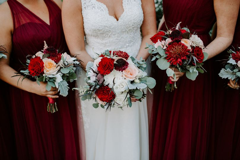Blush, burgundy & dusty miller