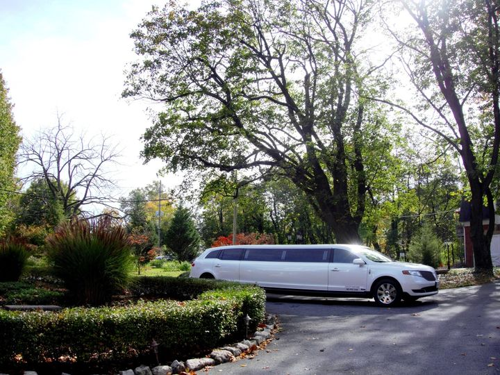 Tmx 1489077727556 First Lady At Mercersburg Inn 2 Frederick wedding transportation