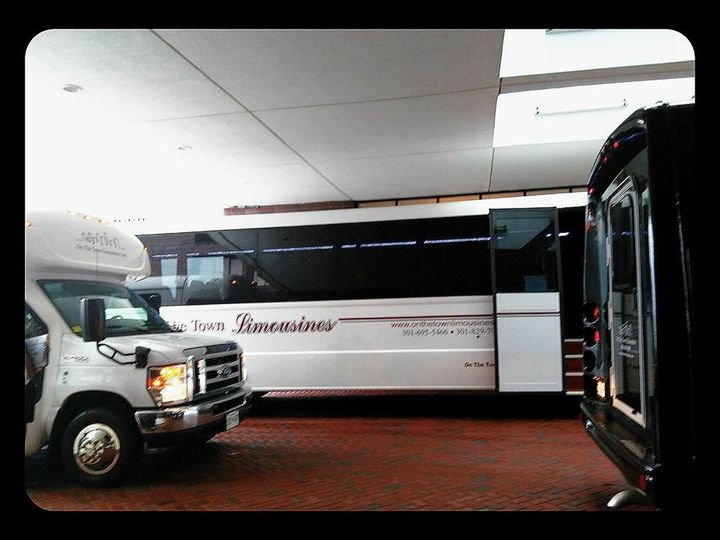 Tmx Buses At Hotel 51 195949 157540314857673 Frederick wedding transportation