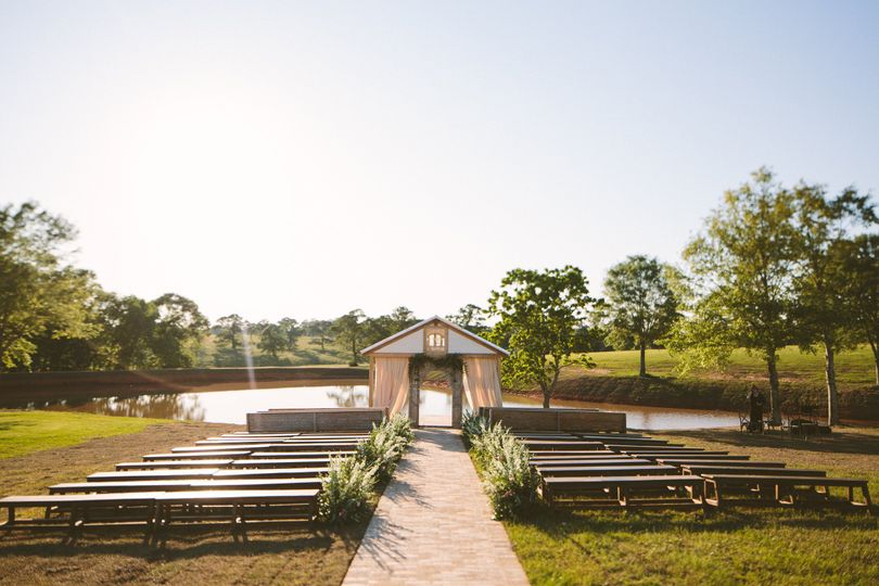 The outdoor ceremony location.   Ashleigh Jayne Photography