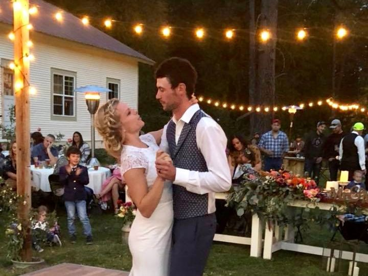 Tmx Img E6677 51 1756949 158360937690378 Cusick, WA wedding venue