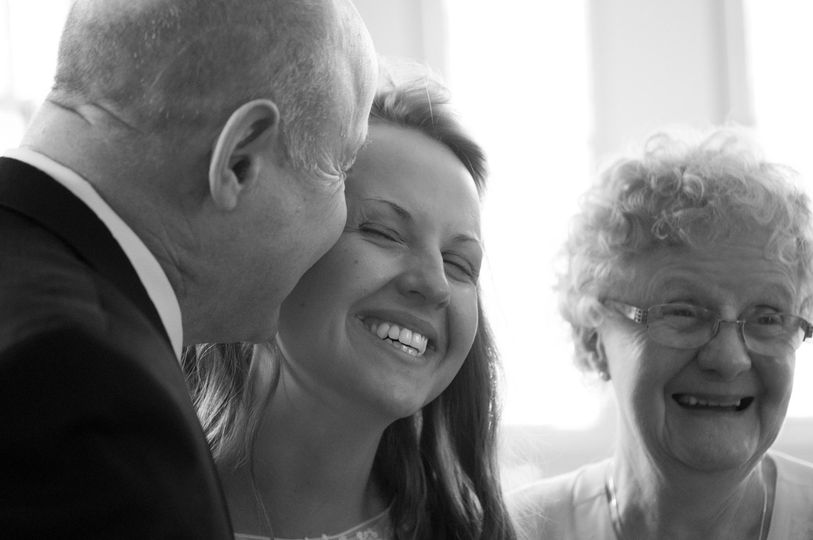 a660971bf74c0f71 1505944683927 father of the bride moment