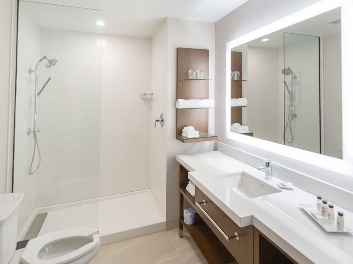 Tmx Guestroom Bathroom 51 1987949 160339076625409 Southlake, TX wedding venue