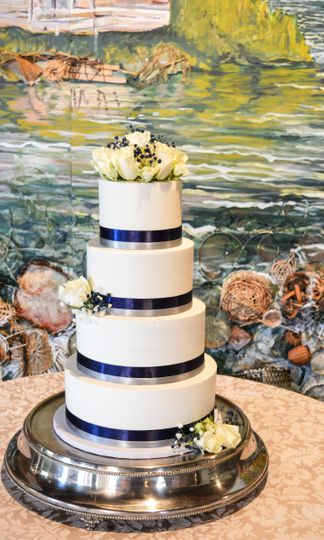 elegant navy sliver wedding cake