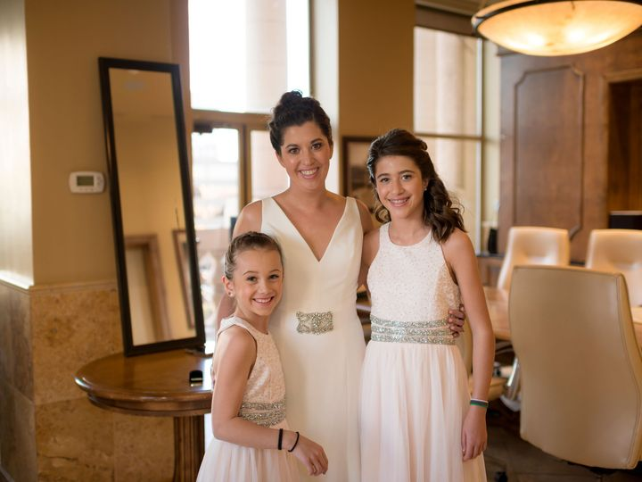 Tmx Nicdanee Gettingready 2020 133 51 748949 158714830188731 Breckenridge, CO wedding beauty
