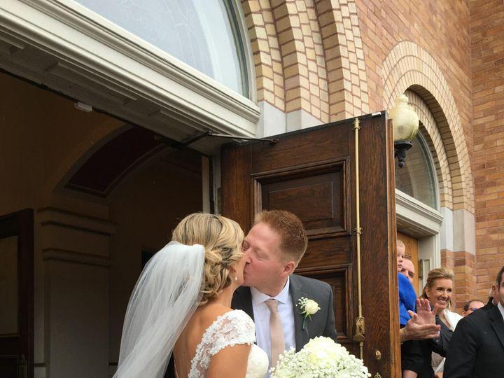 Tmx Image6 51 1921059 157935986095493 Columbus, OH wedding florist