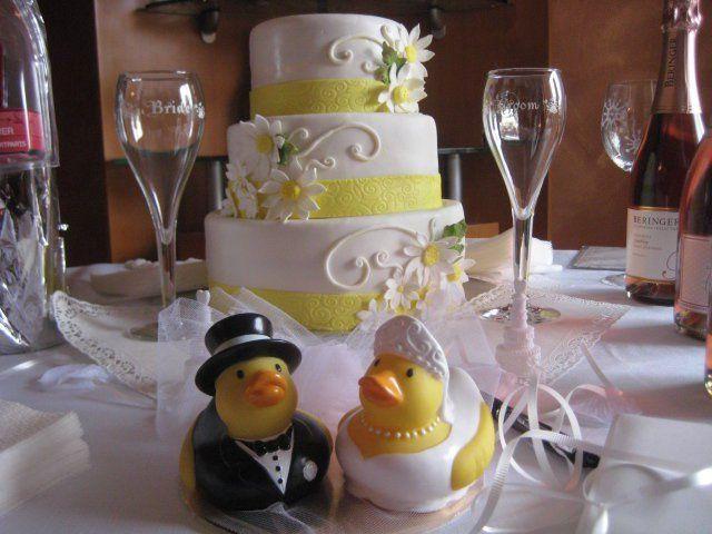 Tmx 1342385264732 1804791964170470530621669602n West New York wedding cake