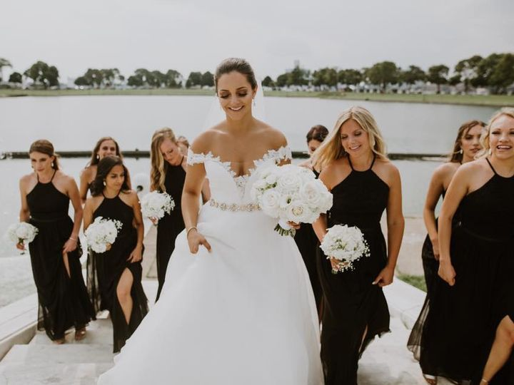Tmx 39638257 951672298354534 1818331128394678272 N 51 987059 1564626896 Northville, MI wedding beauty