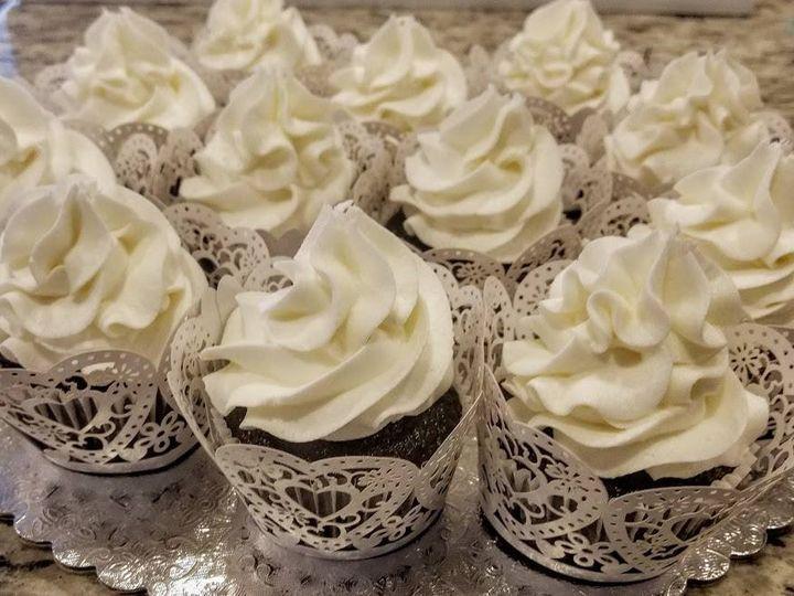 Tmx 49075972 321520475122944 881903042390130688 N 51 1008059 Frisco, Texas wedding cake