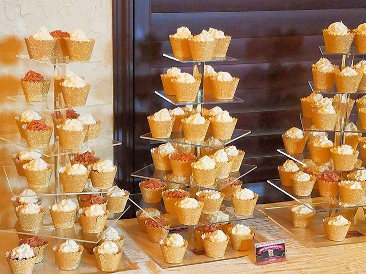 Tmx Golden Cupcakes 51 1008059 Frisco, Texas wedding cake