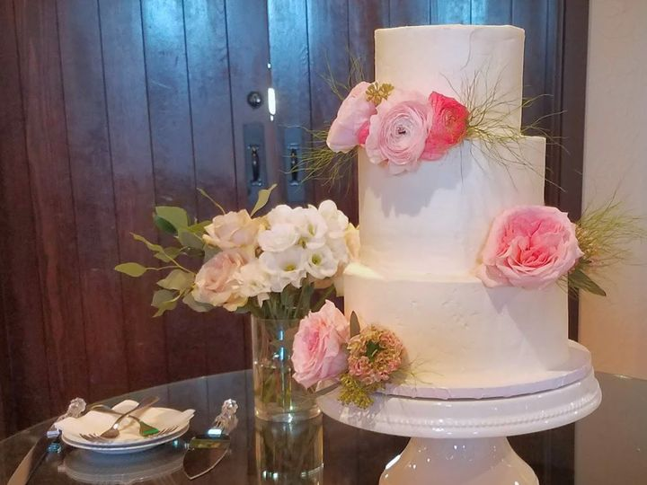Tmx Wed Cake1 51 1008059 1555894263 Frisco, Texas wedding cake
