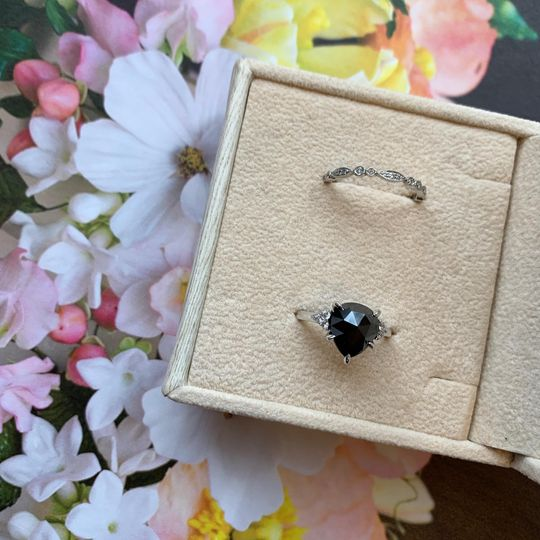 Black diamond pear ring