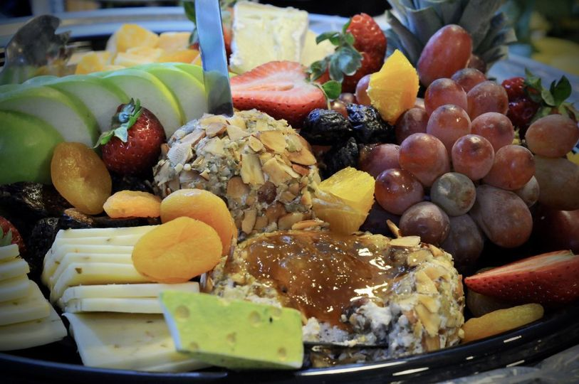 800x800 1497549228025 appetizers fruit and cheese tray