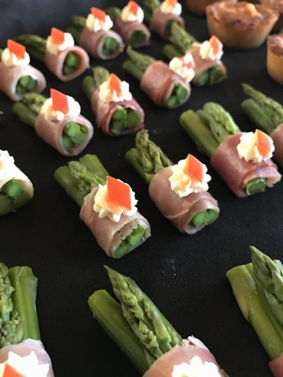 5c37adcfa29222a7 1487286406235 asparagus wrapped with proscuitto