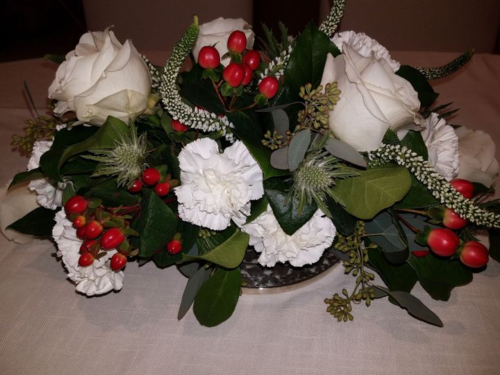 Holiday Table Arrangement