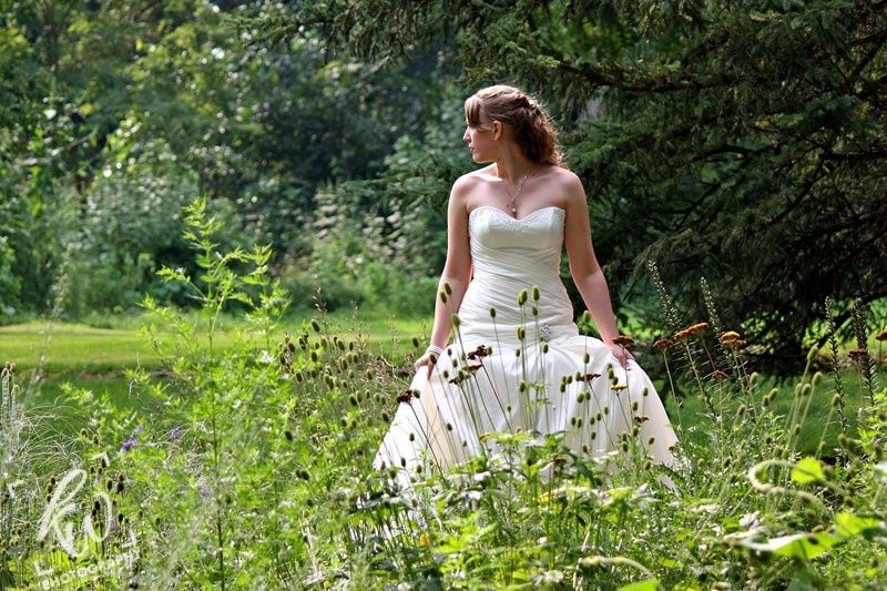 Photo shoot of the beautiful bride in the garden of the winery in State College, PA.