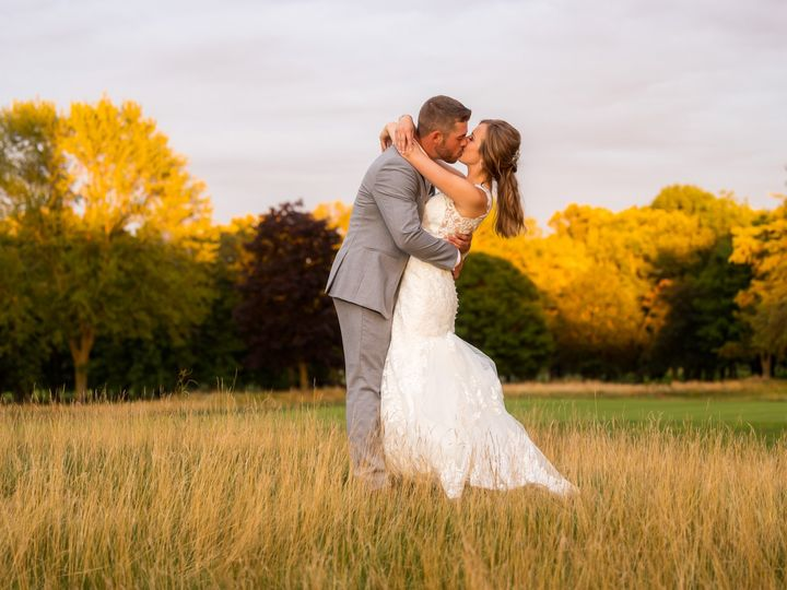 Tmx Epic 28 51 1057159 160899197592290 West Bend, WI wedding photography