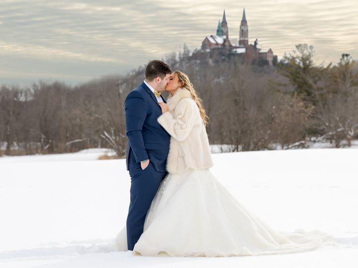 Tmx Koutsios 1214 51 1057159 West Bend, WI wedding photography