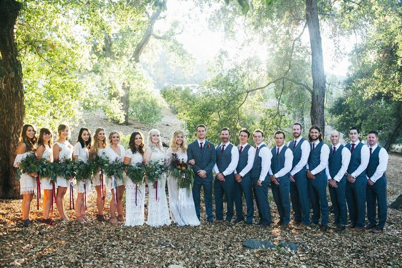 Couple with the groomsmen and bridesmaid