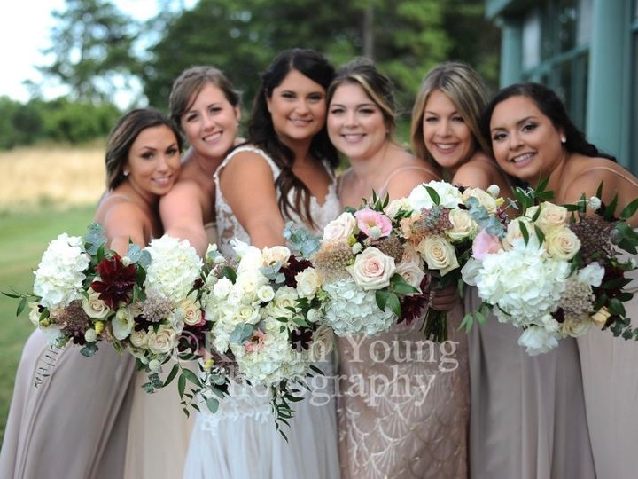 Tmx Img 2812 51 649159 157445812956491 Kingston, Massachusetts wedding florist