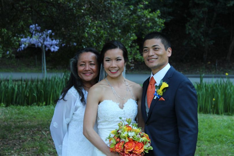 Poppy Ridge Golf Club in Livermore was the setting for this beautiful wedding, complete with bag...